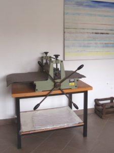 Jetzt neu im Atelier: Eine Druckerpresse für Radierungen. Nach den Sommerferien experimentieren wir mit neuen Drucktechniken.